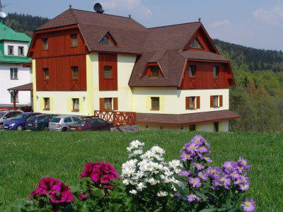 rozkverlý pension v Krkonoších - Černá hora