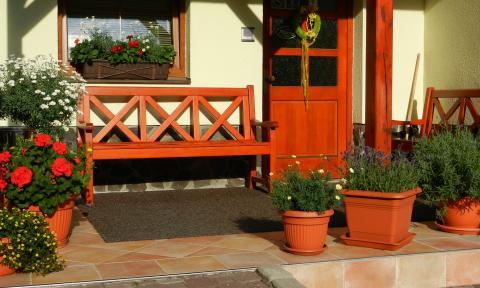 Léto - vstupte do ubytování rozkvetlým vstupem a ubytujte se v Krkonoších!